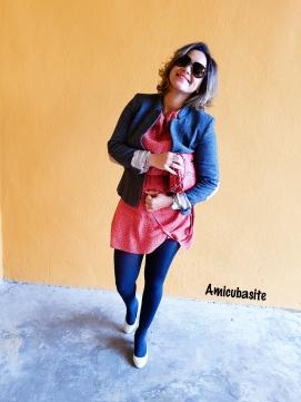 Amicubasite